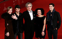 "Il regista tedesco Wim Wenders, al centro, posa sul red carpet insieme alla moglie Donata, a sinistra, ed ai ballerini Damiano Ottavio Bigi, secondo da sinistra, Cristiana Morganti, seconda da destra, e Roberto Bolle, per la presentazione del suo film documentario ""Pina"" al Festival Internazionale del Film di Roma, 31 ottobre 2011..German director Wim Wenders, center, poses on the red carpet with his wife Donata, left, and with dancers Damiano Ottavio Bigi, second from left, Cristiana Morganti, second from right, and Roberto Bolle, to present his documentary movie ""Pina"" during the international Rome Film Festival at Rome's Auditorium, 31 october 2011..UPDATE IMAGES PRESS/Riccardo De Luca"
