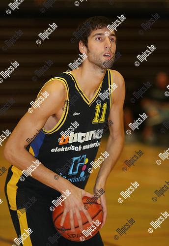 2007-08-21 / Basketbal / Ticino Merksem / Joeri Moonen