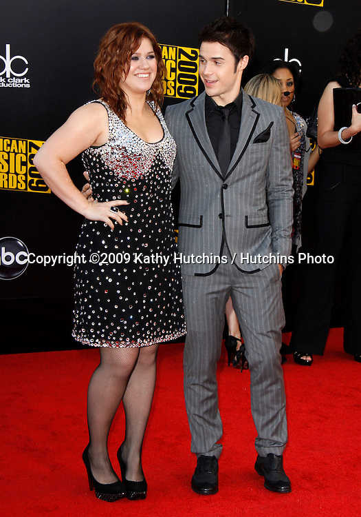 Kelly Clarkson, Kris Allen.The 2009 American Music Awards - Arrivals.Nokia Theatre L.A. Live.Los Angeles, CA.November 22, 2009.©2009 Hutchins Photo....