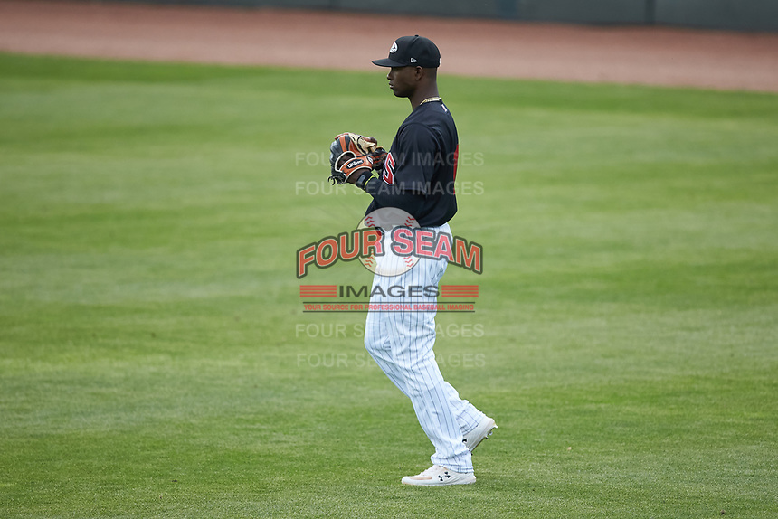 Winston-Salem Dash center fielder Luis Robert (21) on defense against the Wilmington Blue Rocks at BB&T Ballpark on April 17, 2019 in Winston-Salem, North Carolina. The Blue Rocks defeated the Dash 2-1. (Brian Westerholt/Four Seam Images)