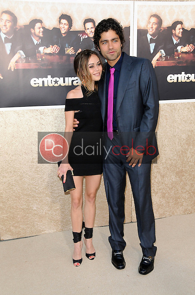 Alexis Dziena and Adrian Grenier<br />at the Los Angeles Premiere of 'Entourage' Season Six. Paramount Theater, Hollywood, CA. 07-09-09<br />Dave Edwards/DailyCeleb.com 818-249-4998