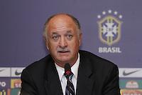 Luiz Felipe Scolari apresentado como novo tecnico da seleção brasileira de futebol, no Hotel Windsor, na Barra da Tijuca, na zona oeste do Rio de Janeiro, nesta quinta-feira. (FOTO; ROBERTO FILHO / BRAZIL PHOTO PRESS).