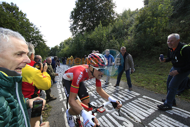 Tim Wellens (BEL) Lotto-Soudal feels the pain on the 30% gradient climb of Colma di Sormano during the last classic of the season Il Lombardia 2015 running 245km from Bergamo to Como, Italy. 4th October 2015.<br /> Picture: Eoin Clarke | Newsfile