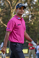 Shubhankar Sharma (IND) gives the crowd a smile as he departs the 18th tee during round 3 of the World Golf Championships, Mexico, Club De Golf Chapultepec, Mexico City, Mexico. 3/3/2018.<br /> Picture: Golffile | Ken Murray<br /> <br /> <br /> All photo usage must carry mandatory copyright credit (&copy; Golffile | Ken Murray)