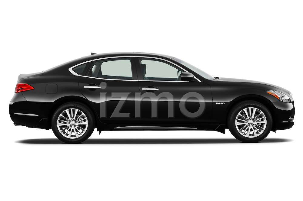 Passenger side profile view of a 2012 Infiniti M Hybrid .