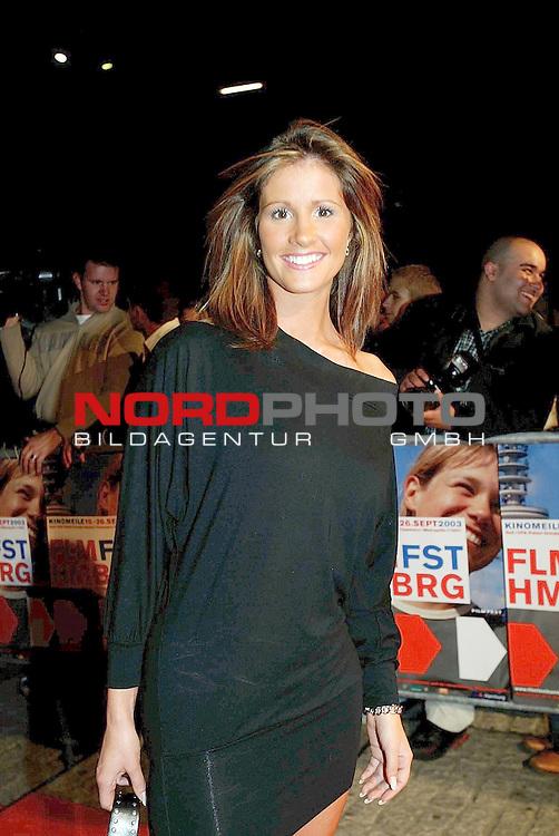 Besuch von Sophia Loreen und ihrem Sohn und Regisseur Edoardo Ponti beim Hamburger Filmfest 2003 zur Premiere des Films ,, Zwischen Fremden&quot; im Hamburger Cinemaxx<br /> <br /> Mireile HŁbner /  RTL - Moderatorin<br /> Foto &copy; nordphoto / Anja Heinemann<br />  *** Local Caption *** Foto ist honorarpflichtig! zzgl. gesetzl. MwSt.<br />  Belegexemplar erforderlich<br /> Adresse: nordphoto<br /> Georg-Reinke-Strasse 1<br /> 49377 Vechta