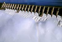 Vertedouro da hidrelétrica de Tucuruí no Pará.<br />©Foto: Paulo Santos/Interfoto<br />26/04/2002<br />Cromo Cor 135 Tucuruí  P 13 C6