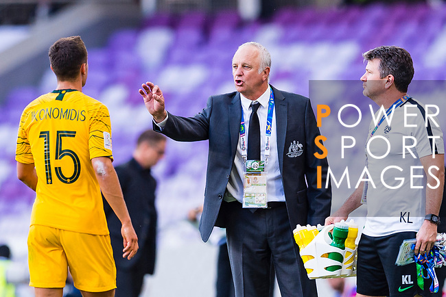 Australia Head Coach Graham Arnold speaks to Chris Ikonomidis of Australia (L) during the AFC Asian Cup UAE 2019 Group B match between Australia (AUS) and Jordan (JOR) at Hazza Bin Zayed Stadium on 06 January 2019 in Al Ain, United Arab Emirates. Photo by Marcio Rodrigo Machado / Power Sport Images