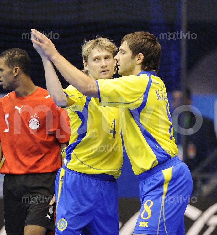 Fussball  International  FIFA  FUTSAL WM 2008   07.10.2008 Vorrunde Gruppe C Ukraine - Aegypten Ukraine - Egypt Dmytro Ivanov und Oleksandr Khursov (von links, UKR) jubeln nach dem 1-0