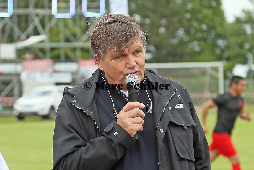 Hans Meyer (ex-Trainer Borussia Mönchenglsdbach)