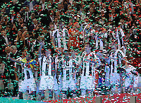 Calcio, finale Tim Cup: Milan vs Juventus. Roma, stadio Olimpico, 21 maggio 2016.<br /> Juventus&rsquo;s players hold the trophy at the end of the Italian Cup final football match between AC Milan and Juventus at Rome's Olympic stadium, 21 May 2016. Juventus won 1-0 in the extra time.<br /> UPDATE IMAGES PRESS/Isabella Bonotto