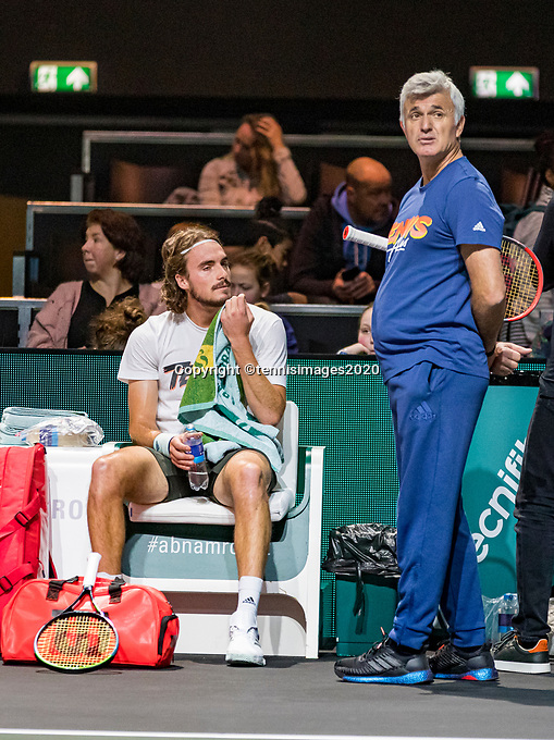 Rotterdam, The Netherlands, 9 Februari 2020, ABNAMRO World Tennis Tournament, Ahoy, Qualyfying round: Tsitsipas with his father<br /> Photo: www.tennisimages.com