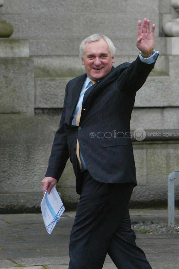 02/04/2008.An Taoiseach Bertie Ahern TD waves to media at Government Buildings, Dublin after announcing that he will tender his resignation to President Mary McAleese on 6 May..Photo: Gareth Chaney Collins