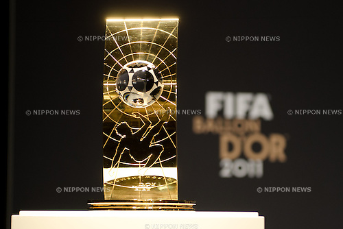 FIFA Women's World Player of the Year trophy, JANUARY 9, 2012 - Football / Soccer : General view, Women's World Player of the Year nominees press conference during the FIFA Ballon d'Or 2011 Gala at Kongresshaus in Zurich, Switzerland. (Photo by Enrico Calderoni/AFLO SPORT) [0391]