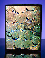 HOLOGRAM OF COINS<br />