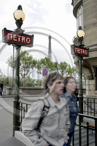PARIS - FRANCE - 03 MAY 2005-- View to the Eiffel Tower through two metro signposts. -- PHOTO: JUHA ROININEN / EUP-IMAGES