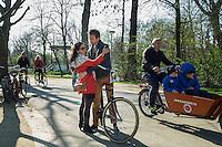 Nederland, Amsterdam, 10 april 2016<br /> Vondelpark.  <br /> Foto (c) Michiel Wijnbergh