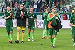 15.04.2018, Weser Stadion, Bremen, GER, 1.FBL, Werder Bremen vs RB Leibzig, im Bild<br /> <br /> Dank an die Fans nach dem Spiel <br /> Maximilian Eggestein (Werder Bremen #35)<br /> Jaroslav Drobny (Werder Bremen #33)<br /> Philipp Bargfrede (Werder Bremen #44)<br /> Johannes Eggestein (Werder Bremen #24)<br /> <br /> <br /> Foto &copy; nordphoto / Kokenge