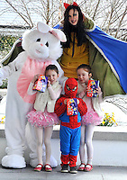 REPRO FREE: EASTER SUNDAY EGG HINT TRALEE:.Snow White and the Easter Bunny is pictured with Emma, Jamie and Allie Tarrant from Clash, Tralee at the Cadbury Easter Egg Hunt in the Ballygarry House Hotel & Spa in Tralee on Easter Sunday..Picture by Don MacMonagle