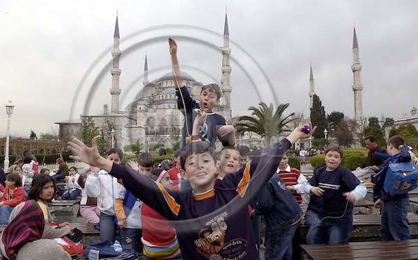Istanbul-Turkey - 07 April 2006---School class, boys in a park with the Sultan Ahmed Mosque (Blue Mosque of Istanbul) in the back---culture, religion, architecture, tourism, people---Photo: Horst Wagner / eup-images