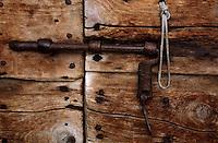 Europe/Suisse/Engadine/Maloja: La porte de chez Renato Giovanoli charcutier et producteur de viande de grisons