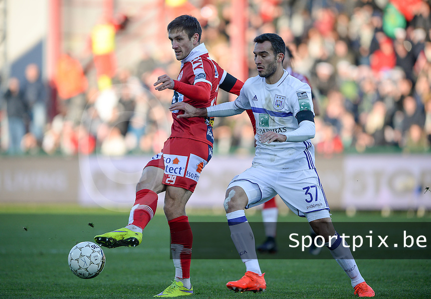 KV Kortrijk - RSC Anderlecht : Andriy Totovytskyi (links) in duel met Ivan Obradovic (r)<br /> Foto David Catry   VDB   Bart Vandenbroucke