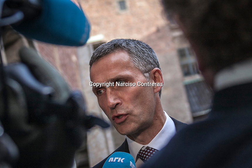 Norway Prime Minister Stoltenberg awaits for the Burmese pro-democracy leader AUNG SAN SUU KYI at the entrance of the Akershus Castle in Oslo, Norway as Suu Kyi helds her first official diplomatic visit away from her country after ...years of home arrest. She visits Switzerland, Norway, Ireland, Britain and France from June 13 to June 29 2012.