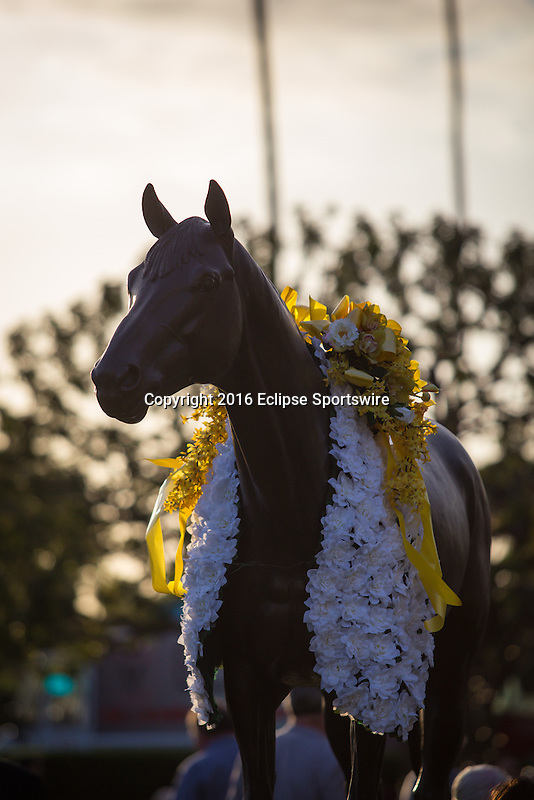 ARCADIA CA - March 12: Seabiscuit statue on Big Cap day at Santa Anita Park on March 12, 2016 in Arcadia, California.(Photo by Zoe Metz/Eclipse Sportswire/Getty Images)