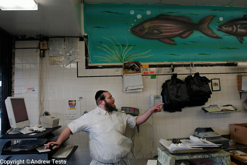 Zalmen Teitelbaum, Mehadron Fish Market inc, Borough Park, Brooklyn...©Andrew Testa