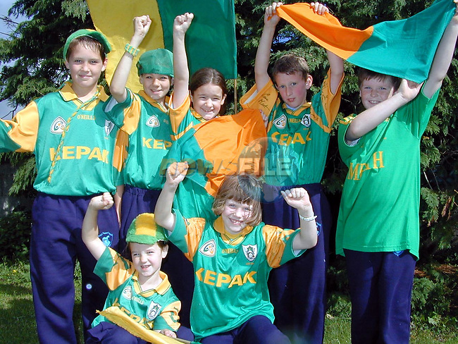 Students from Scoil Naomh Treasa, Bellewstown all set for next Sunday's big match. Pictured are Padraic Howard, Darren Woods, Orla Lenehan, Darren Molloy, Orla Landy and Leanne Woods..Picture Paul Mohan Newsfile