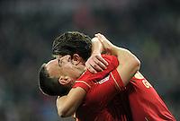 FUSSBALL   1. BUNDESLIGA  SAISON 2011/2012   15. Spieltag   03.12.2011 FC Bayern Muenchen - SV Werder Bremen        JUBEL  FC Bayern Muenchen; Franck Ribery (li) umarmt Mario Gomez