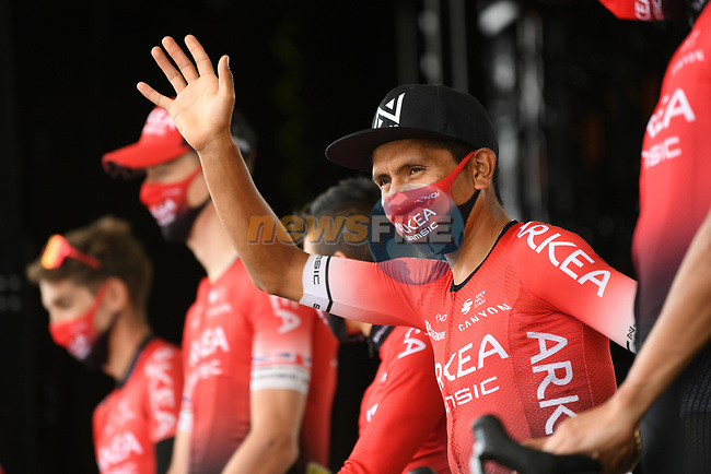 Nairo Quintana (COL) and Team Arkea-Samsic at sign on before the start of Stage 9 of Tour de France 2020, running 153km from Pau to Laruns, France. 6th September 2020. <br /> Picture: ASO/Alex Broadway | Cyclefile<br /> All photos usage must carry mandatory copyright credit (© Cyclefile | ASO/Alex Broadway)