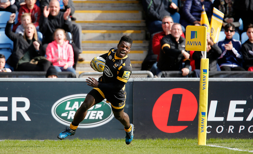 Photo: Richard Lane/Richard Lane Photography. Wasps v Worcester Warriors. Aviva Premiership. 26/03/2017. Wasps'  Christian Wade crosses the line for his second try.