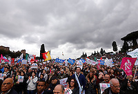 "Manifestazione ""Family Day"" al Circo Massimo, in sostegno della famiglia tradizionale, contro la legge sulle unioni civili in discussione al Senato, Roma, 30 gennaio 2016.<br /> Demonstrators crowd the Circus Maximus during the ""Family Day"" rally in support of traditional family, against civil unions proposed law in discussion at the Italian Parliament, Rome, 30 January 2016.<br /> UPDATE IMAGES PRESS/Riccardo De Luca"
