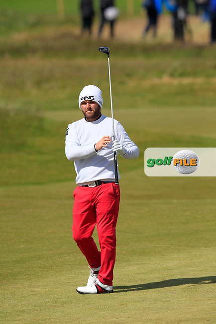 Andy SULLIVAN (ENG) waits to play his 2nd shot on the 18th hole during Sunday's Final Round of the 2015 Dubai Duty Free Irish Open, Royal County Down Golf Club, Newcastle Co Down, Northern Ireland 5/31/2015.<br /> Picture Eoin Clarke, www.golffile.ie
