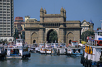 Asie/Inde/Maharashtra/Bombay : La Gateway of India