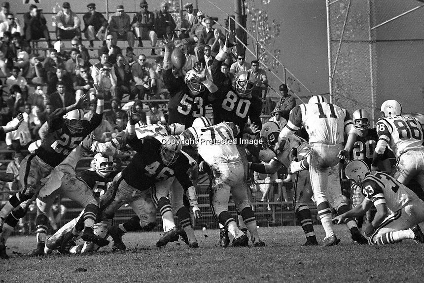 Oakland Raiders playing at Frank Youell field in downtown Oakland.<br />