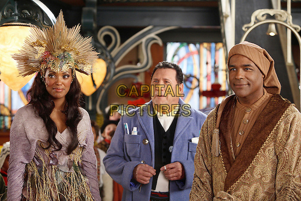 AISHA TYLER, ART LaFLEUR & MICHAEL DORN.in The Santa Clause 3: The Escape Clause.*Editorial Use Only*.Ref: FB.www.capitalpictures.com.sales@capitalpictures.com.Supplied by Capital Pictures.