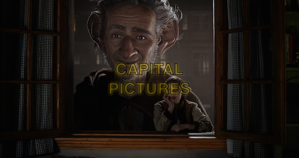The BFG (2016) <br /> Mark Rylance stars as the BFG (Big Friendly Giant) &amp; Ruby Barnhill (Sophie) <br /> *Filmstill - Editorial Use Only*<br /> CAP/KFS<br /> Image supplied by Capital Pictures