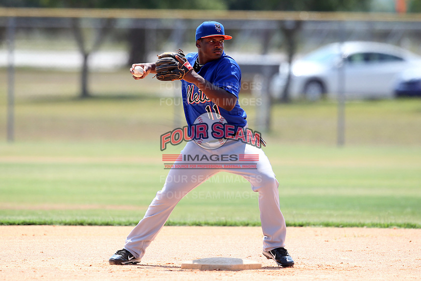 GCL Mets infielder Donnie Tabb #11 during practice before a game against the GCL Nationals at the Washington Nationals Minor League Complex on June 20, 2011 in Melbourne, Florida.  The Nationals defeated the Mets 5-3.  (Mike Janes/Four Seam Images)