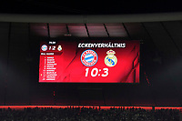 25.04.2018, Football UEFA Champions League 2017/2018, semi final 1st leg, FC Bayern Muenchen - Real Madrid, in Allianzarena Muenchen. Eckenverhaeltnis 10 zu 3 fuer FC Bayern steht auf der Anzeigetafel. *** Local Caption *** © pixathlon<br /> <br /> Contact: +49-40-22 63 02 60 , info@pixathlon.de