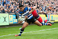 Ben Tapuai of Bath Rugby looks to reach the try-line. Aviva Premiership match, between Bath Rugby and Worcester Warriors on October 7, 2017 at the Recreation Ground in Bath, England. Photo by: Patrick Khachfe / Onside Images