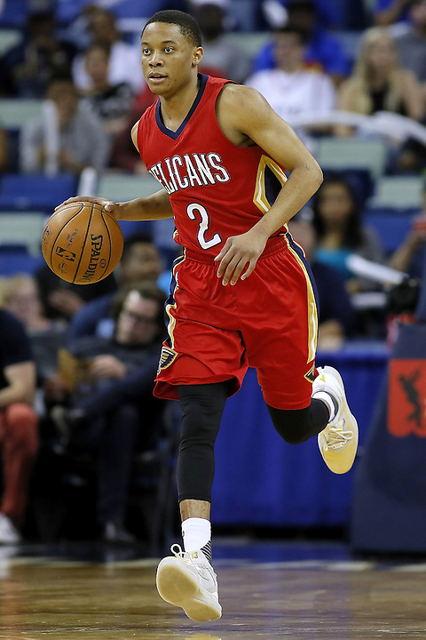 NEW ORLEANS, LA - MARCH 26:  Tim Frazier #2 of the New Orleans Pelicans drives with the ball during a game at the Smoothie King Center on March 26, 2016 in New Orleans, Louisiana. NOTE TO USER: User expressly acknowledges and agrees that, by downloading and or using this photograph, User is consenting to the terms and conditions of the Getty Images License Agreement.  (Photo by Jonathan Bachman/Getty Images)