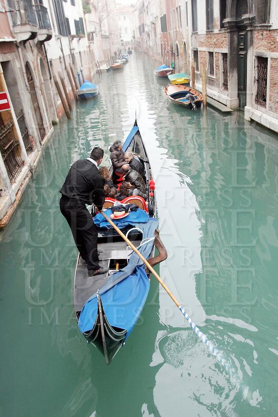 Una gondola lungo un canale del sestiere di Castello.<br /> A gondola along a canal at the sestiere of Castello, Venice.<br /> UPDATE IMAGES PRESS/Riccardo De Luca