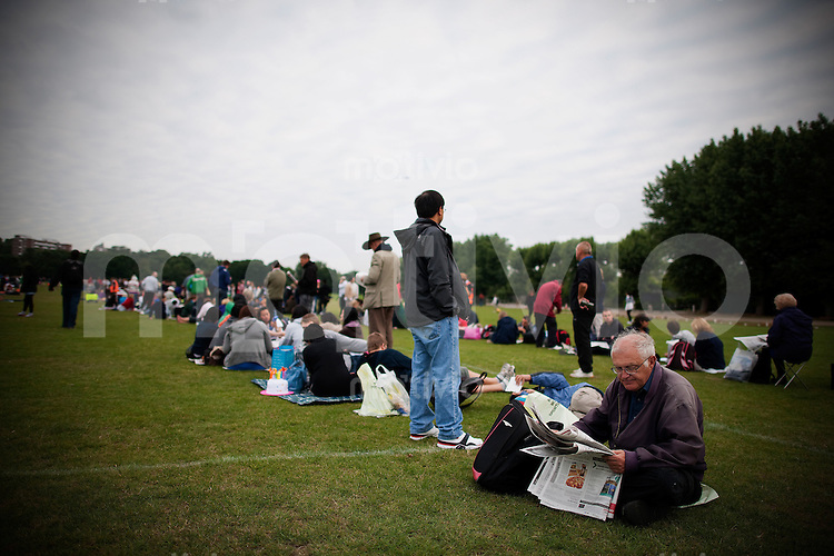 The Queue in the early morning hours. The Wimbledon Championships 2010 The All England Lawn Tennis & Croquet Club  Day 1 Monday 21/06/2010