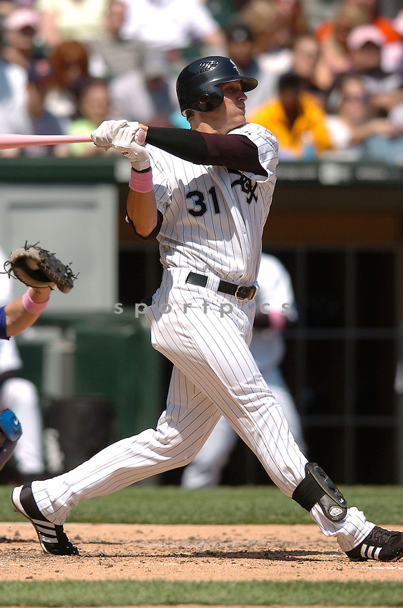 RYAN SWEENEY,  of the Chicago White Sox , in action during the White Sox game against the Kansas City Royals on May 13, 2007 in Chicago, IL...Royals win 11-1...Chris Bernacchi/ SportPics