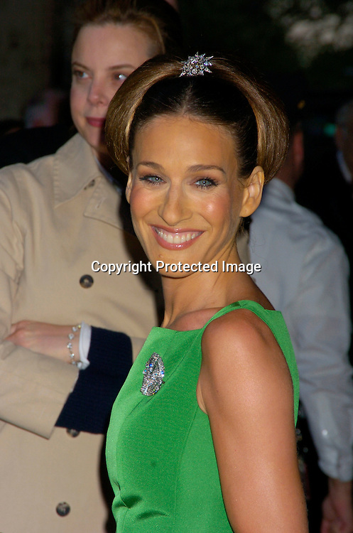 Sarah Jessica Parker  in Oscar de la Renta ..at the New York City Ballet 2004 Spring Gala on             May 5, 2004 at The New York State Theatre.                       Photo by Robin Platzer, Twin Images