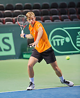 Swiss, Genève, September 14, 2015, Tennis,   Davis Cup, Swiss-Netherlands, practise Dutch team, Tallon Griekspoor<br /> Photo: Tennisimages/Henk Koster