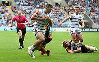 Leicester Tigers' Jonny May avoids the challenge from Wasps' Rob Miller and scores his side's fourth try <br /> <br /> Photographer Stephen White/CameraSport<br /> <br /> Gallagher Premiership - Wasps v Leicester Tigers - Sunday 16th September 2018 - Ricoh Arena - Coventry<br /> <br /> World Copyright &copy; 2018 CameraSport. All rights reserved. 43 Linden Ave. Countesthorpe. Leicester. England. LE8 5PG - Tel: +44 (0) 116 277 4147 - admin@camerasport.com - www.camerasport.com