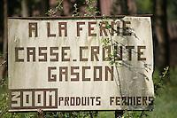 Europe/France/Aquitaine/40/Landes/env Aire-sur-Adour: Détail enseigne repas à la ferme